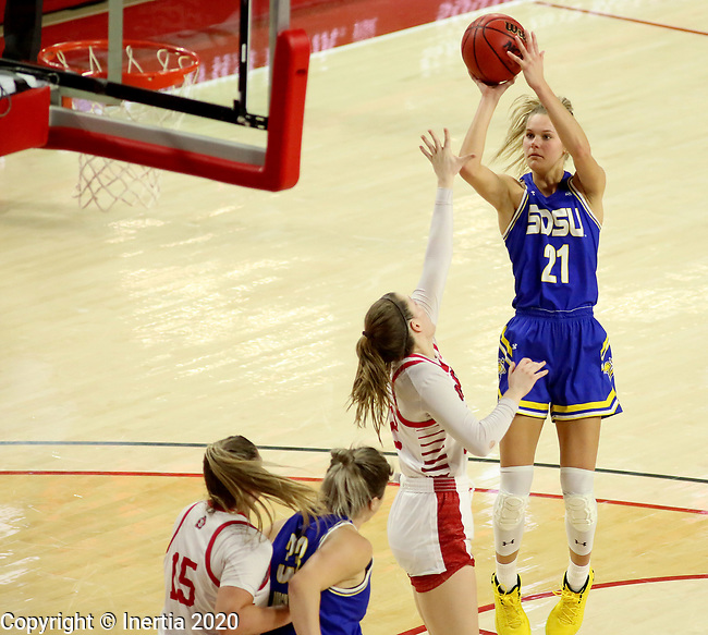VERMILLION, SD - JANUARY 19: Tylee Irwin #21 of the South Dakota State Jackrabbits shoots a jumper against the South Dakota Coyotes at the Sanford Coyote Center on January 19, 2020 in Vermillion, South Dakota. (Photo by Dave Eggen/Inertia)