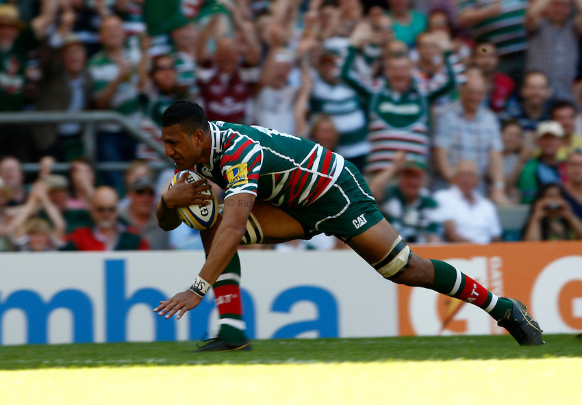 Photo: Richard Lane/Richard Lane Photography. Harlequins v Leicester Tigers. Aviva Premiership Final. 26/05/2012. Tigers' Steve Mafi touches down for a try.