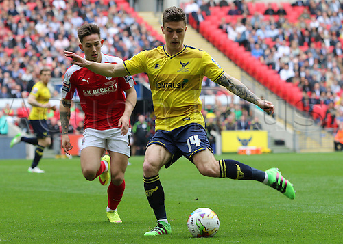 03.04.2016. Wembley Stadium,  London, England. Johnstones Paint Trophy Football Final Barnsley versus  Oxford Utd. Barnlsey's Josh Brownhill chases down Oxfords Josh Ruffels