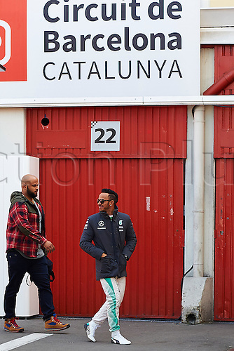 20.02.2015. Barcelona, Spain.  Lewis Hamilton (Mercedes Petronas)  in the paddock, during day two of Formula One Winter Testing at Circuit de Catalunya (Barcelona)