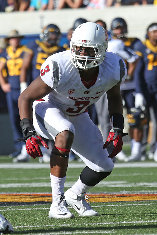 Ivan Mclennan, Washington State University linebacker, locks in on the quarterback during the Cougars first Pac-12 conference road test of the season against Cal at Memorial Stadium in Berkeley, California, on October 3, 2015.