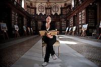 Rita Carbonaro. Direttrice e unica dipendente della storica biblioteca di Catania.