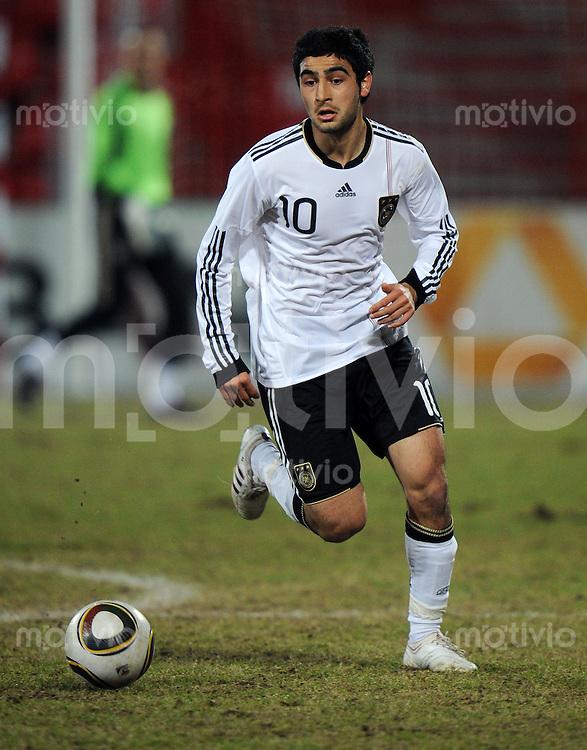 FUSSBALL   INTERNATIONAL   U20 FREUNDSCHAFTSSPIEL Deutschland - Schweiz            03.03.2010    Mehmet EKICI (Deutschland U20) Einzelaktion am Ball