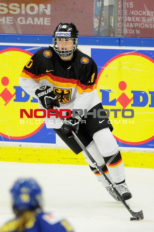 31.03.2015, Malm&ouml; Ishall, Malm&ouml; , SWE, IIHF Eishockey Frauen WM 2015, Deutschland (GER) vs Schweden SWE), im Bild Yvonne ROTHEMUND (#10, ESC Planegg)<br /> <br /> <br /> ***** Attention nur f&uuml;r redaktionelle Berichterstattung *****<br /> <br /> Foto &copy; nordphoto / Hafner