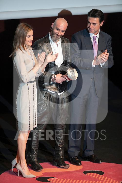 "Princess Letizia of Spain, fashion designer Roberto Etxeberria and Industry and Energy Minister Jose Manuel Soria attend ""PREMIOS NACIONALES DE LA MODA"" fashion awards ceremony at Reina Sofia museum in Madrid, Spain. June 06, 2013. (ALTERPHOTOS/Victor Blanco)"