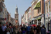 Oudestraat in Kampen. Winkelstraat in het centrum
