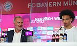 """23.07.2020, nph001 Fussball 1.Bundesliga, FC Bayern Muenchen - Neuvorstellung Leroy Sane emspor (Leroy Aziz San) <br /> <br /> <br /> <br />  im Bild<br /> <br /> Leroy Sane  und Karl-Heinz """"Kalle"""" Rummenigge (Vorstandsvorsitzender FC Bayern Muenchen)<br /> <br /> <br /> Foto: FC Bayern Muenchen/Pool/ via nordphoto"""