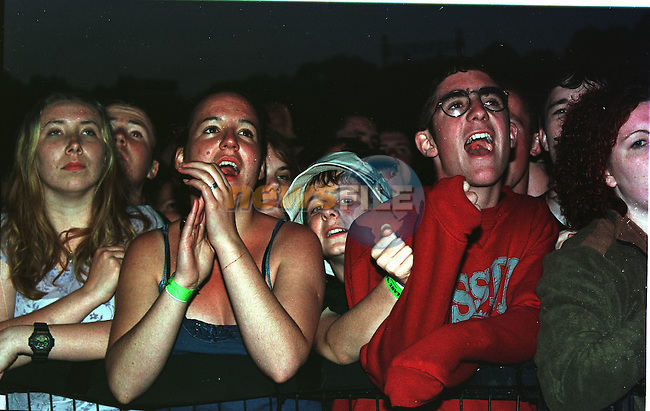 Slane Concert 98.The Fans at the front of the stage