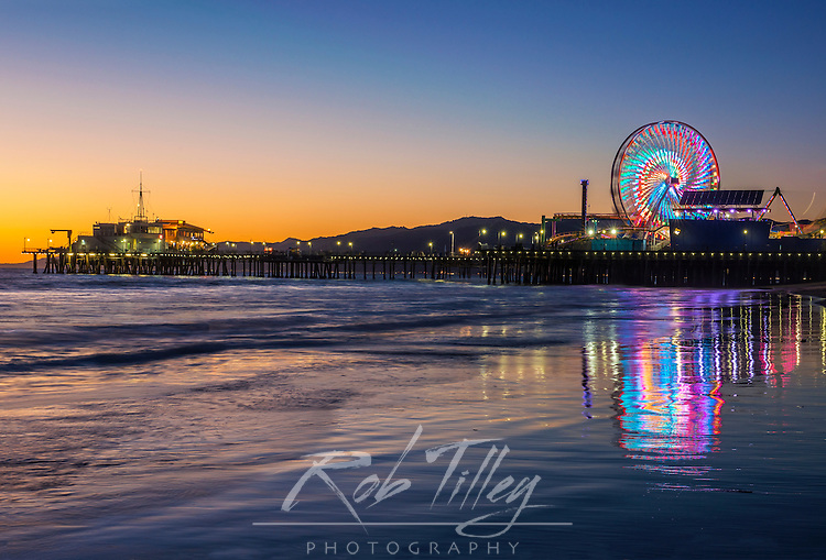 USA, CA, Los Angeles, Santa Monica Pier Twilight
