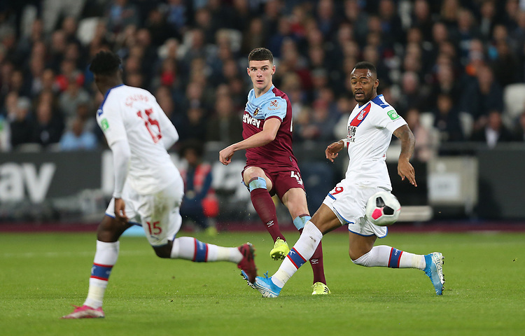 West Ham United's Declan Rice and Crystal Palace's Jordan Ayew<br /> <br /> Photographer Rob Newell/CameraSport<br /> <br /> The Premier League - West Ham United v Crystal Palace - Saturday 5th October 2019 - London Stadium - London<br /> <br /> World Copyright © 2019 CameraSport. All rights reserved. 43 Linden Ave. Countesthorpe. Leicester. England. LE8 5PG - Tel: +44 (0) 116 277 4147 - admin@camerasport.com - www.camerasport.com
