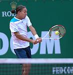 Guillermo Garcia Lopez (ESP) defeats Alexandr Dolgopolov (UKR) 6-1, 7-5