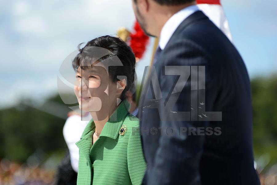 SÃO PAULO,SP, 24.04.2015 - VISITA PRESIDENTE DA CORÉIA DO SUL - PARK GEUN-HYE - <br /> A presidente Dilma Rousseff recebe a presidente da República da Coreia do Sul, Park Geun-hye, no Palácio do Planalto, em Brasília, nesta sexta-feira. As duas terão reunião privada, seguida de assinatura de atos e declaração à imprensa. Em seguida, almoçam no Palácio do Itamaraty. (Foto: Ricardo Botelho / Brazil Photo Press).