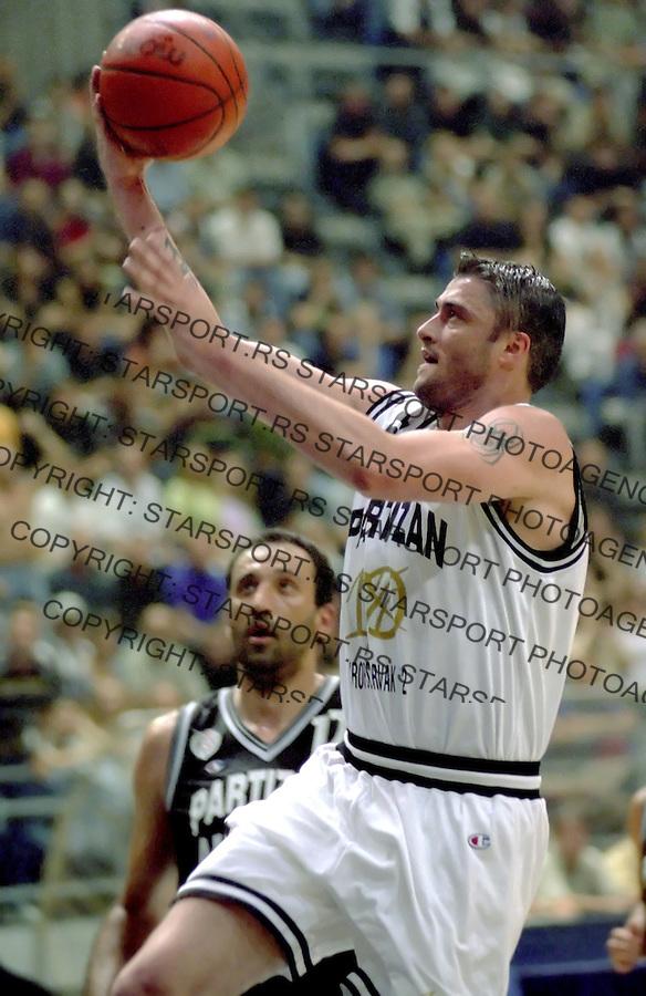 kosarka.PARTIZAN 91 - PARTIZAN ALL STAR.PREDRAG SASA DANILOVIC.BGD, 29.07.2002..FOTO: SRDJAN STEVANOVIC
