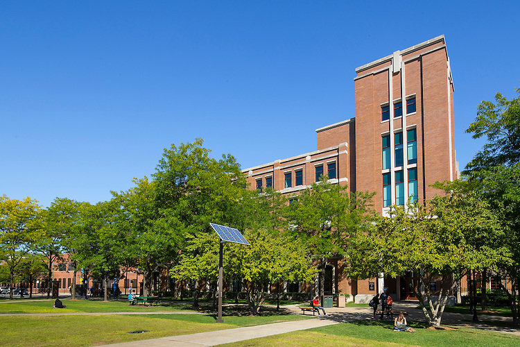 DePaul University's Quad faces the John T. Richardson Library while between the Schmidt Academic Center, McGowan Sciences Center North and University Hall. September 23, 2014. (DePaul University/Jeff Carrion)