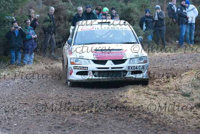 Junction 12 on SS5 of Snowman Rally 2011 - Allan Smith / Ian Macivor Mitsubishi Lancer Evo 8
