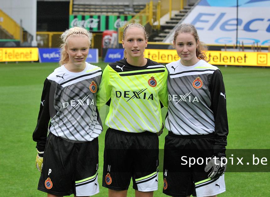 Club Brugge Dames : 3 doelvrouwen samen :  Jana Vanhauwaert , Kim Dossche en Kjenta Claeys.foto VDB / BART VANDENBROUCKE