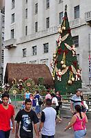 ATENÇÃO EDITOR FOTO EMBARGADA PARA VEÍCULOS INTERNACIONAIS - SAO PAULO, SP, 08 DE DEZEMBRO DE 2012 - PRESÉPIO DA PREFEITURA DE SÃO PAULO: Presépio montado em frente a sede da Prefeitura no Vale do Anhangabaú, região central da cidade que faz parte da programação do Natal Iluminado e ficará em exposição até o dia 06/01. FOTO: LEVI BIANCO - BRAZIL PHOTO PRESS