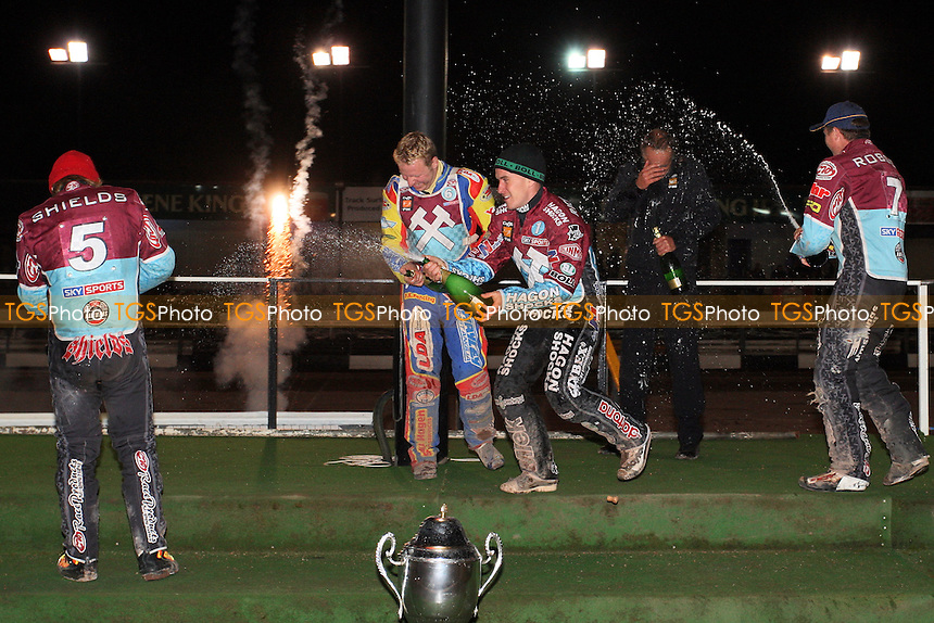 Lakeside Hammers celebrate with the KO Cup - Coventry Bees vs Lakeside Hammers - Elite League Speedway Knockout Cup Final 2nd Leg at Brandon Stadium - 23/10/09 - MANDATORY CREDIT: Gavin Ellis/TGSPHOTO - Self billing applies where appropriate - Tel: 0845 094 6026