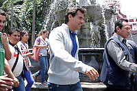 CRISTIAN DE LA FUENTE caminado por el z&oacute;calo de Puebla,Puebla.  2 Mayo 2014<br /> (*Foto:HildaRios/NortePhoto*) paparazzi a CRISTIAN DE LA FUENTE caminado por el z&oacute;calo de Puebla,Puebla.  2 Mayo 2014<br /> (*Foto:HildaRios/NortePhoto*)