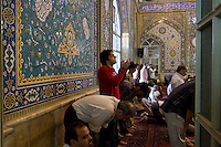 La preghiera del Venerdì in una moschea di Teheran. Prayer in the Mosque in Tehran.