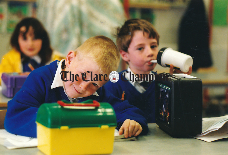 Rory McCarthy and Gary Sullivan having their lunch at Scoil Realt na Mara, Kilkee - April 28, 2000.