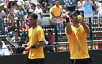 CALI – COLOMBIA – 05-04-2014: Juan Sebastian Cabal y Robert Farah de Colombia celebran la victoria sobre Victor Estrella y Jose Hernandez de Republica Dominicana durante el dia dos de partidos en el Grupo I de la Zona Americana de la Copa Davis, partidos entre Colombia y República Dominicana en Estadio de Tenis Alvaro Carlos Jordan en la ciudad de Cali. / Juan Sebastian Cabal and Robert Farah of Colombia celebrate the victory against Victor Estrella and Jose Hernandez of the Dominican Republic during day two in matches for the Group I of the American Zone Davis Cup, between Colombia and the Dominican Republic, at the Carlos Alvaro Jordan, Tennis  Stadium in the city of Cali. Photo: VizzorImage / Luis Ramirez / Staff.