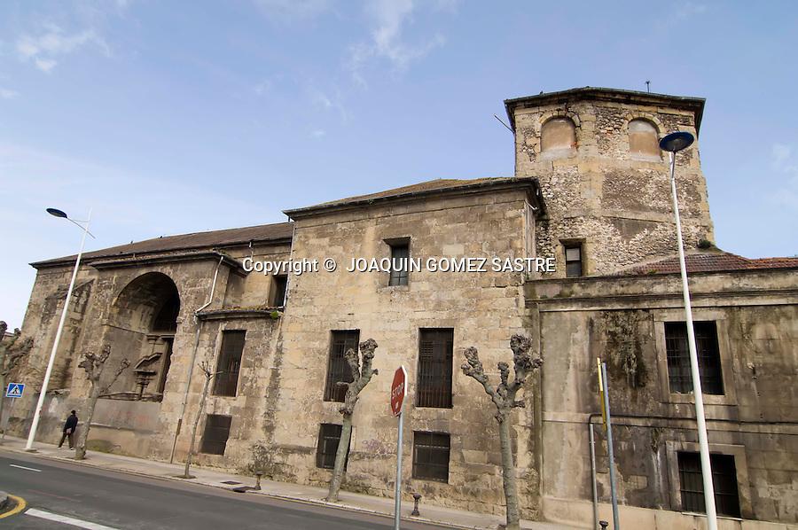 20 MARZO 2008 SANTANDER .Vista del antiguo convento de la Santa Cruz,hoy transformado en un aparcamiento y en la antigua fabrica de Altadis..foto JOAQUIN GOMEZ SASTRE