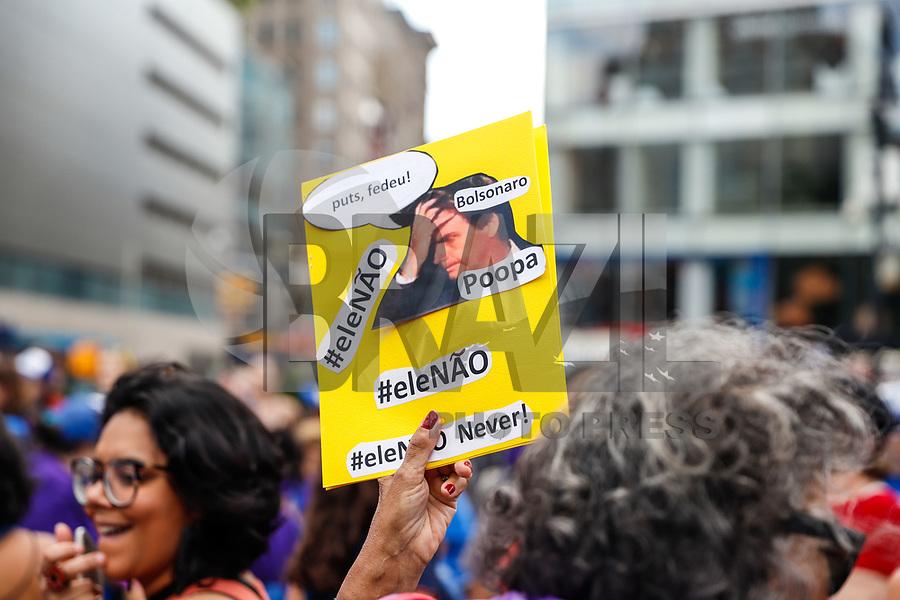 NOVA YORK, EUA, 29.09.2018 - PROTESTO-EUA - Manifestantes durante protesto #ELENAO contra o candidato à presidência do Brasil, Jair Bolsonaro na cidade de Nova York nos Estados Unidos neste sábado, 29. (Foto: William Volcov/Brazil Photo Press)