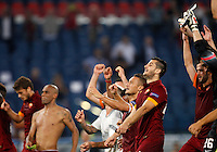 Calcio, Champions League, Gruppo E: Roma vs CSKA Mosca. Roma, stadio Olimpico, 17 settembre 2014.<br /> AS Roma players greet fans at the end of the Group E Champions League football match between AS Roma and CSKA Moskva at Rome's Olympic stadium, 17 September 2014. AS Roma won 5-1.<br /> UPDATE IMAGES PRESS/Riccardo De Luca