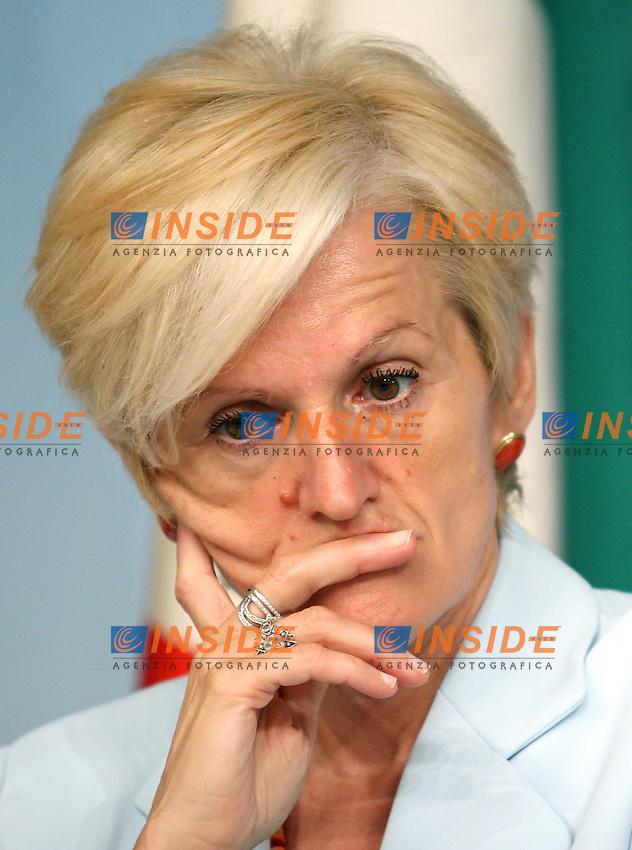 Roma 14-07-2006 Conferenza Stampa del Consiglio dei Ministri<br /> Nella foto il ministro della Sanita' Livia Turco<br /> Photo serena Cremaschi Insidefoto