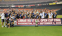 DC United poses to salutes the fans after winning, DC United defeated The Charleston Battery 2-1 to win the US. Open Cup, Wednesday September 3, 2008 at RFK Stadium.
