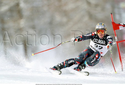 URS KAELIN (SUI), Men's Giant Slalom, World Cup Skiing, Val D'Isere 001210 Photo:Neil Tingle/Action Plus...2000.winter sport.winter sports.wintersport.wintersports.alpine.ski.skier.man