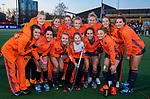 UTRECHT - Nederland team met de fan of the match  na    de Pro League hockeywedstrijd wedstrijd , Nederland-China (6-0) . COPYRIGHT  KOEN SUYK
