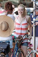 """Elizabeth_Olsen and Dakota Fanning on the set of """"Very Good Girls"""" in Brooklyn, New York, 12.07.2012...Credit: Rolf Mueller/face to face /MediaPunch Inc. ***FOR USA ONLY*** ***Online Only for USA Weekly Print Magazines*** /*NORTEPHOTO*<br /> **SOLO*VENTA*EN*MEXICO**<br /> **CREDITO*OBLIGATORIO** <br /> **No*Venta*A*Terceros**<br /> **No*Sale*So*third**<br /> *** No*Se*Permite Hacer Archivo**<br /> **No*Sale*So*third**"""