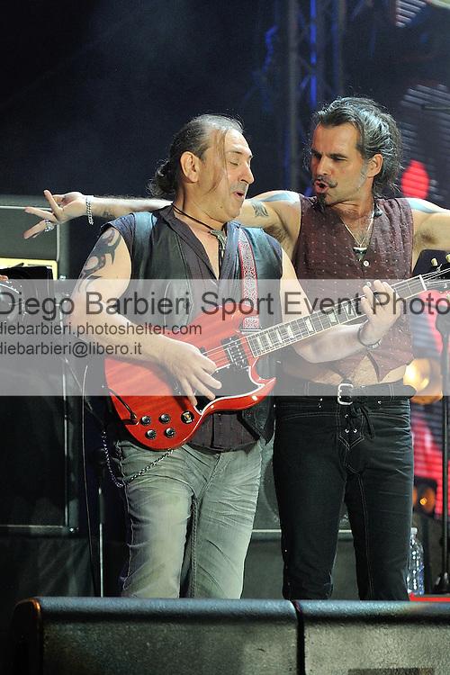 (KIKA) - TORINO, 29/06/2012 - I Litfiba si esibiscono sul palco degli MTV Days in piazza Castello a Torino, il 29 giugno 2012.