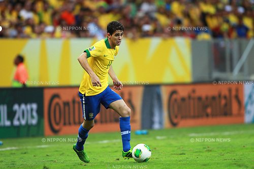 Oscar (BRA),<br /> JUNE 15, 2013 - Football / Soccer :<br /> FIFA Confederations Cup Brazil 2013 Group A match between Brazil 3-0 Japan at Estadio Nacional in Brasilia, Brazil. (Photo by Shin-ichiro Kaneko/AFLO)