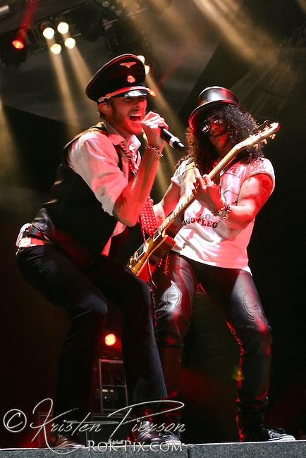 Velvet Revolver performing at Comcast Center in Mansfield on August 14, 2007