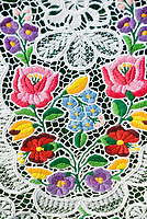 HUN, Ungarn, Budapest: Souvenirs, Tischdecke, Stickereien   HUN, Hungary, Budapest: souvenirs, table cloth, embroidery, stitchery