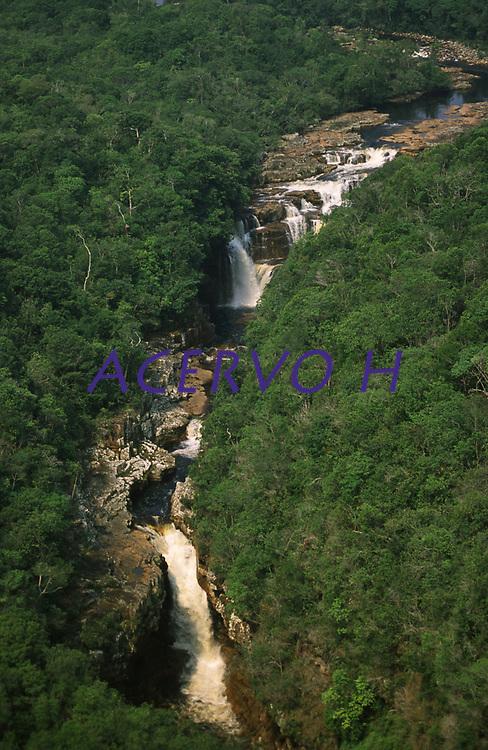 cachoeiras no Parque Nacional de Pacaás Novos - Rondônia<br />setembro de 2003