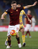 Calcio, Serie A: Roma vs Frosinone. Roma, stadio Olimpico, 30 gennaio 2016.<br /> Roma&rsquo;s Francesco Totti in action during the Italian Serie A football match between Roma and Frosinone at Rome's Olympic stadium, 30 January 2016.<br /> UPDATE IMAGES PRESS/Isabella Bonotto