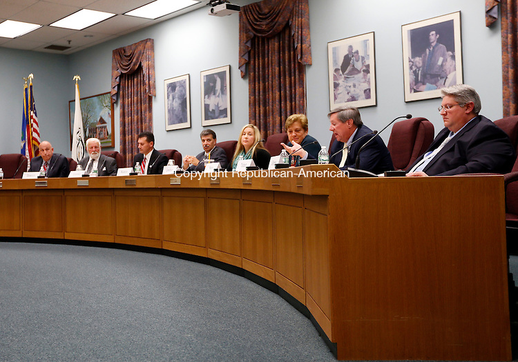 Cheshire, CT- 21 October 2015-102115CM04-  Candidates for the Cheshire Town Council including from left, Michael Ecke, Sherwood Dawson, Derek Gromko, Tom Rocco, Liz Linehan, Marion Nero, Peter Talbot and<br /> Adam Grippo participate in debate at the Cheshire Town Hall on Wednesday. The event was put on by The League of Women Voters of Cheshire/Wallingford.    Christopher Massa Republican-American