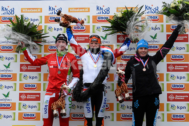 EMMEN - Schaatsen, NK Marathon natuurijs, Grote Rietplas Parc Sandur, 08-02-2012 vlnr Rixt Meijer (2), Yvonne Spigt (1) en Carla Zielman (3).