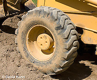 0713-1117  Backhoe (back actor, rear actor), Detail of Wheel and Tire, Excavating Equipment  © David Kuhn/Dwight Kuhn Photography