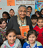 Dr. Johnnie Carter with some of her 4th grade students at De Anda Elementary School, February 5, 2014.