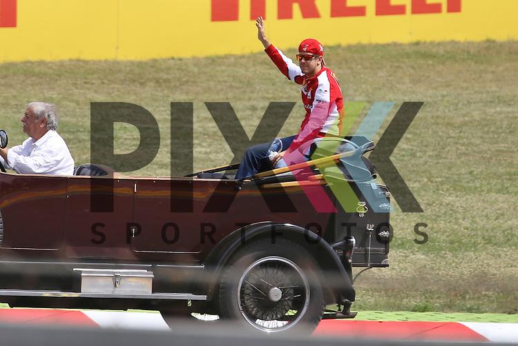 Barcelona, 10.05.15, Motorsport, Formel 1 GP Spanien 2015, Fahrerparade : Sebastian Vettel (Ferrari SF15-T, #05)<br /> <br /> Foto &copy; P-I-X.org *** Foto ist honorarpflichtig! *** Auf Anfrage in hoeherer Qualitaet/Aufloesung. Belegexemplar erbeten. Veroeffentlichung ausschliesslich fuer journalistisch-publizistische Zwecke. For editorial use only.