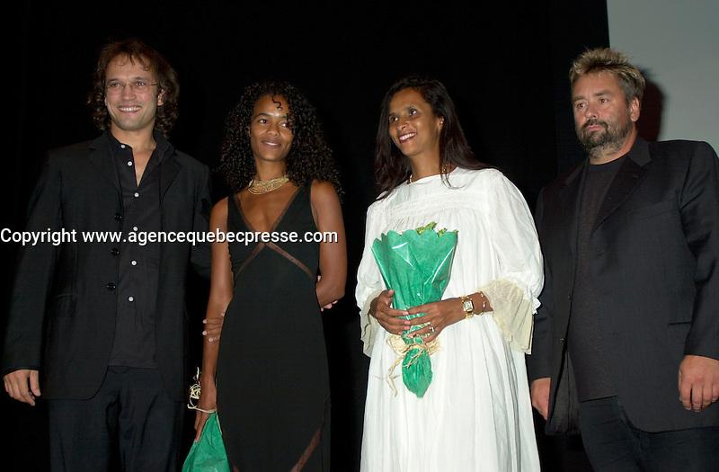 Samedi 24 Ao˚t 2002, Montreal (Quebec), CANADA<br /> <br /> Vincent Perez, R&Egrave;alisateur de PEAU D'ANGE<br /> Virginie Silla, Productrice de PEAU D'ANGE<br /> Karine Silla, Sc&Egrave;nariste et actrice dans PEAU D'ANGE (et femme de Vincent Perez) et<br /> Luc Besson, Producteur du film,<br /> Pr&Egrave;sentent le film PEAU D'ANGE en comp&Egrave;tition officielle au 26ieme Festival des Films du Monde.<br /> <br /> (Photo byJohn Raudsepp - Images Distribution -<br />  Alamo - Sygma)