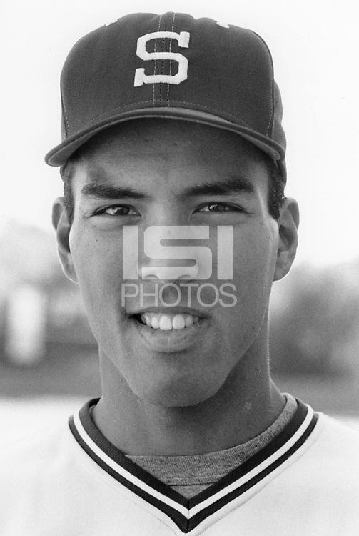 1990: Aaron Dorlarque.