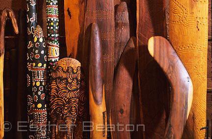 Decorated crafts made out of mulga wood. Maruku Arts, shop at Uluru-Kta-Tjuta National Park, Northern Territory