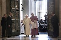Il Papa Emerito Benedetto XVI, accompagnato da Monsignor Georg Gaenswein, varca la Porta Santa aperta da Papa Francesco in occasione dell'inizio ufficiale del Giubileo della Misericordia, nella Basilica di San Pietro, Citta' del Vaticano, 8 dicembre 2015.<br /> Pope Emeritus Benedict XVI, accompanied by Monsignor Georg Gaenswein, enters the Holy Door opened by Pope Francis on the occasion of the start of the Jubilee of Mercy, on St. Peter's Basilica at the Vatican, 8 December 2015.<br /> UPDATE IMAGES PRESS/Giagnori Bonotto<br /> <br /> STRICTLY ONLY FOR EDITORIAL USE