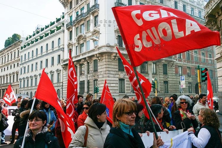Milano, manifestazione contro i tagli previsti dalla riforma dell'istruzione. CGIL --- Milan, demonstration against the spending cut provided by the school reform